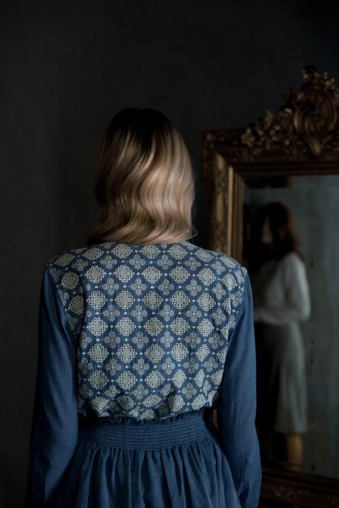 chemise Bensimon > de dos chemise Berenice et jupe Bensimon > dans le reflet