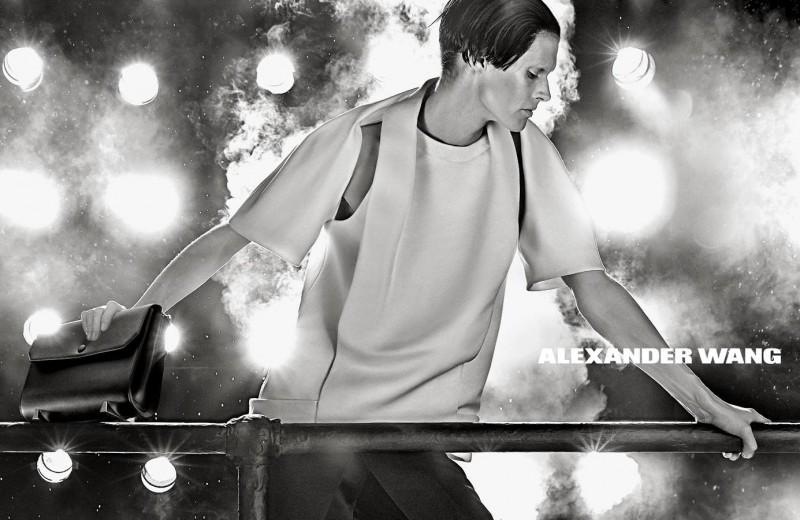 Marque: Alexander Wang Mannequins: Malgosia Bela Photographes: Steven Klein